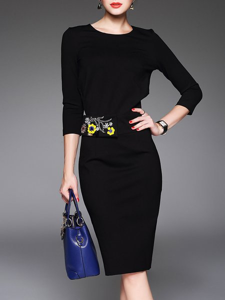 Elegant Embroidered 3/4 Sleeve Midi Dress