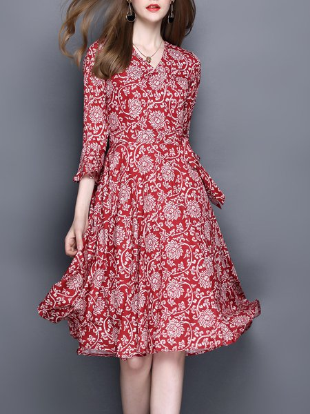 Plus Size Floral Red Printed Bell Sleeve V Neck A-line Chiffon Dress