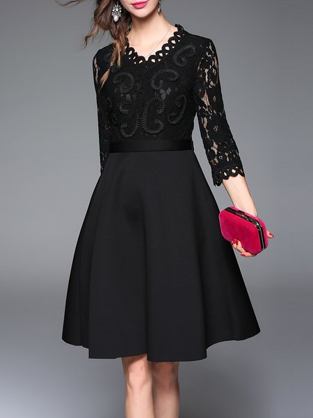 V Neck Elegant 3/4 Sleeve Pierced Lace Paneled Midi Dress
