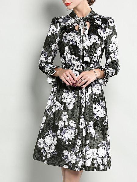 Green A-line Frill Sleeve Floral Midi Velvet Dress