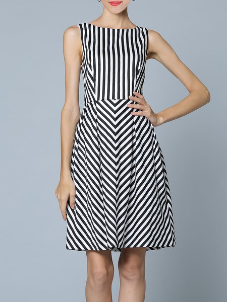 Black Printed Stripes Sleeveless Midi Dress