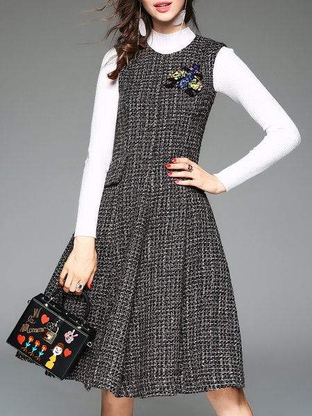 Plain Crew Neck Pockets Beaded A-line Sleeveless Midi Dress