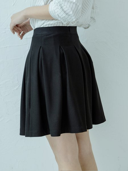 Black Pleated Casual Mini Skirt - StyleWe.com