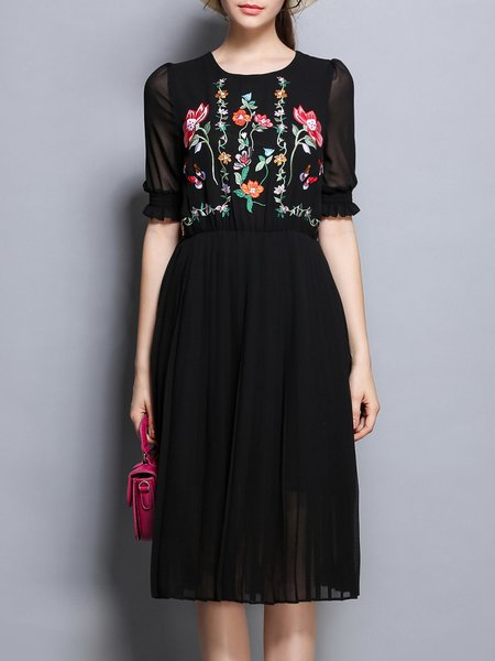 Embroidered Floral Half Sleeve Crew Neck Casual Midi Dress