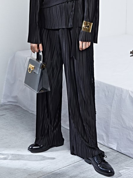 Black Pleated Statement Plain Wide Leg Pants