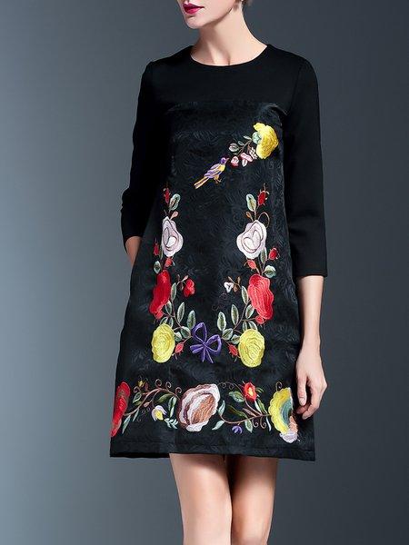 Elegant Floral Embroidered 3/4 Sleeve Midi Dress