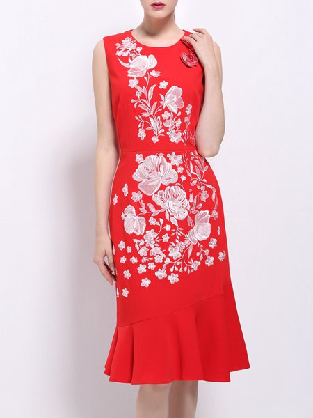 Red Mermaid Sleeveless Crew Neck Floral-embroidered Midi Dress