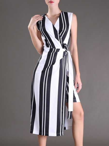 Elegant Sleeveless Surplice Neck Midi Dress