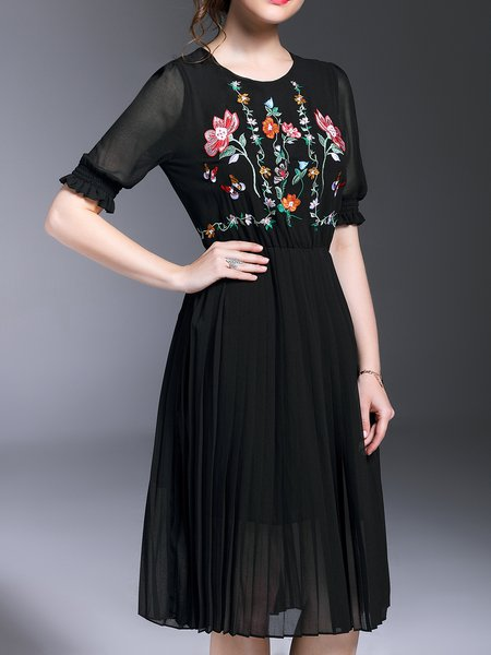 Embroidered Gathered Floral Elegant Polyester Crew Neck Half Sleeve Midi Dress