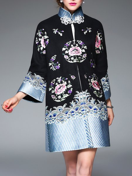 Floral-embroidered Vintage Raglan Sleeve Coat