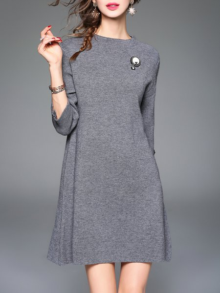 Gray Knitted 3/4 Sleeve Plain Crew Neck Midi Dress with Brooch