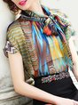 Multicolor Printed Short Sleeve Tie-Neck Elegant Top